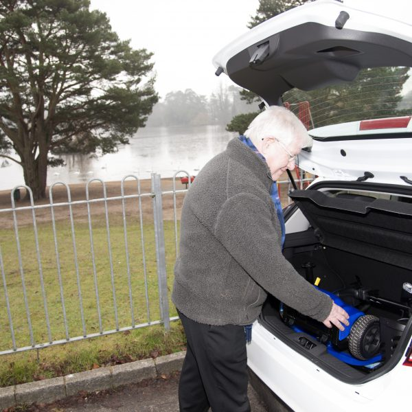 Vogue – Quickly and safely lift into and out of the boot of your car